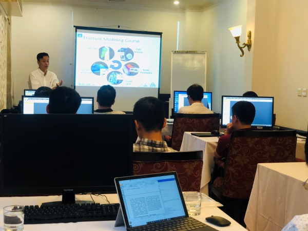 "ATC tổ chức khóa học ""Fractured Reservoir Modelling and Simulation"""